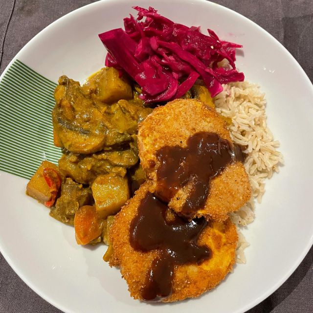 Vegan sweet potato Katsu Curry 🍛 recipe by @thehappypear & ingredients from @riverford   Really easy to follow recipe and easy to make! Added some extra pickled red cabbage & homemade Katsu sauce   #curry #japanese #katsu #katsucurry #homemade #happypear #riverford #recipebox #madebyme #healthy #happy #recipes #vegan #plantbased #dinner #mealkit #london